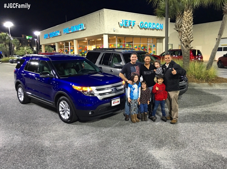 013016 - CW - 2013 Ford Explorer + 2012 Ford Expedition - 2009 Toyota Sienna - Jeff Gordon Chevrolet - Wilmington NC - 267939
