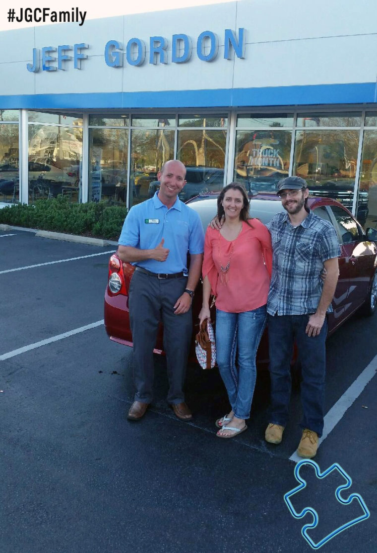 040216 - RS - 2016 Chevrolet Sonic - 2004 Dodge Stratus - Jeff Gordon Chevrolet - Wilmington NC - 271555