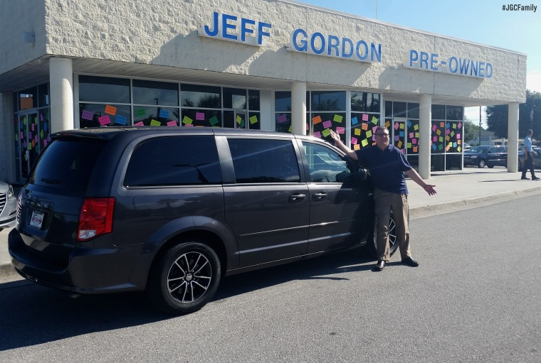 082516-ss-2014-dodge-grand-caravan-jeff-gordon-chevrolet-preowned-wilmington-nc-279509