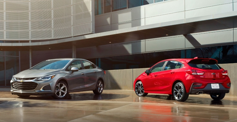 2019 Cruze Sedan and Hatchback