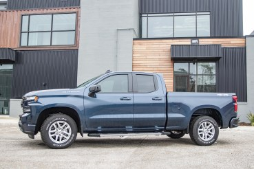 U1701 Northsky Blue Metallic 2091 Silverado RST